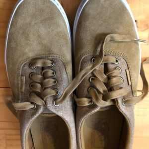 Tan Vans Ultracush suede and canvas